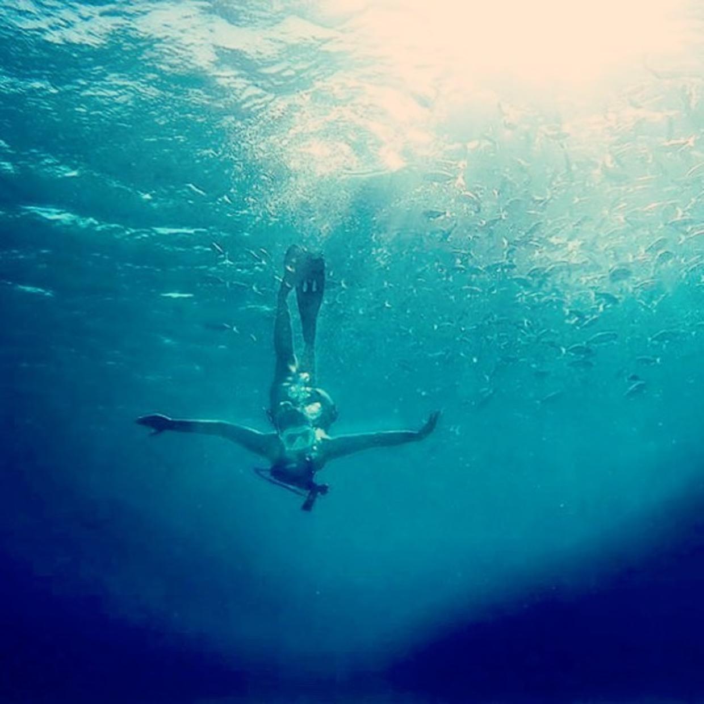 Deep 💧🕳  #ocean #free #sea #freediving #diving #blue #minidive #sun #scuba #summer