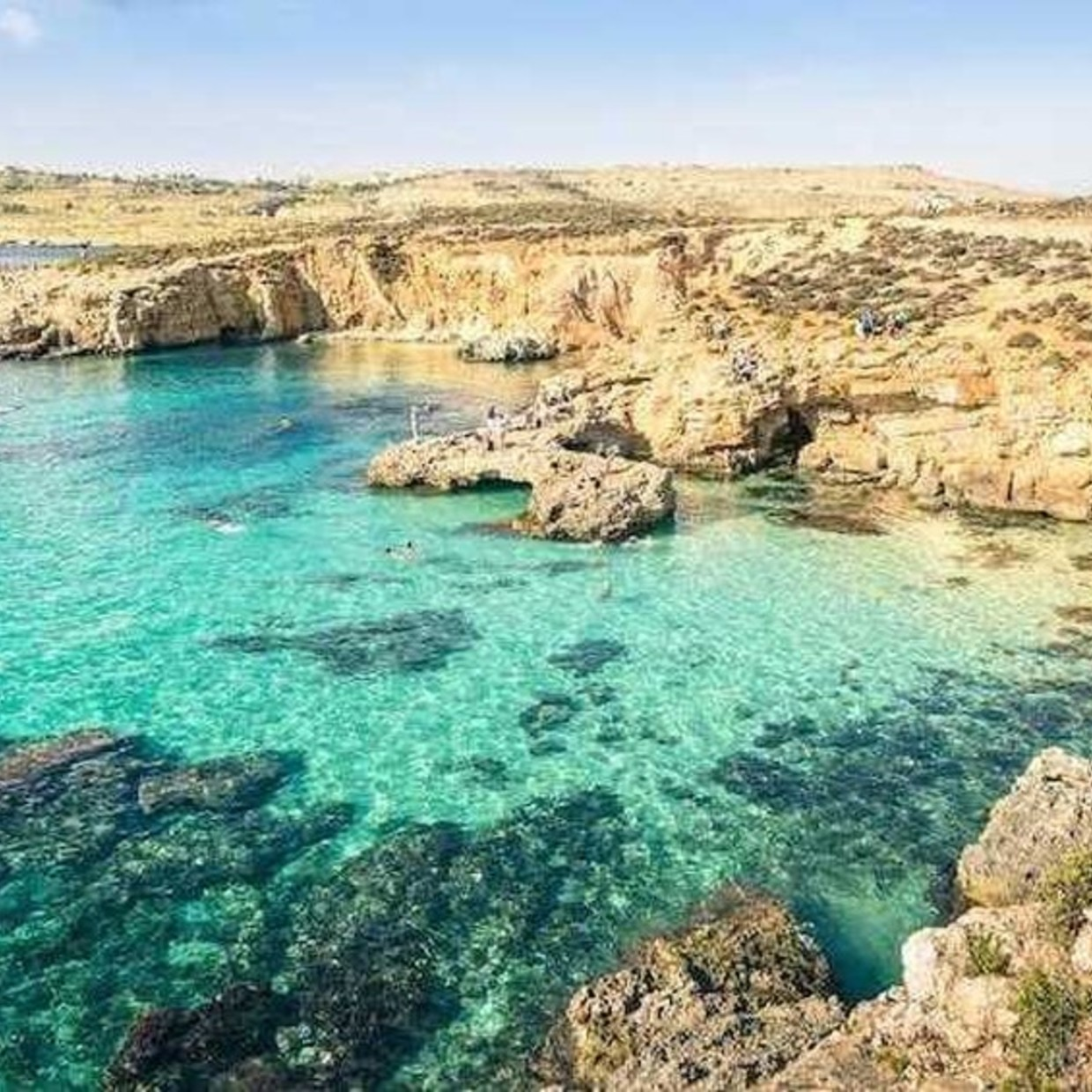 Enjoy your summer by traveling all around the world ✈️🌎😁 #snorkeling #minidive #malta #travel #sea #wonderful #landscapes   Find our products on our website : www.minidive.com