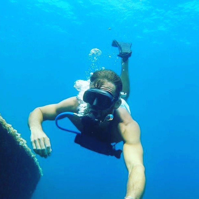 Deep blue 🔵  #blue #sea #mer #mediteranean #sun #wreck #diving #scuba #minidive #fun